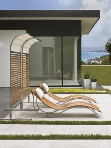 Tres Chic Chaises and Screens