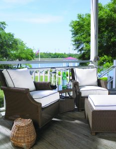 Hamptons Lounge Chairs & Ottoman